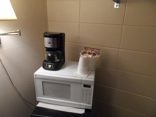 Bear Lodge Motel: Coffee