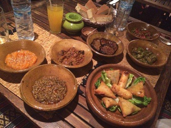 Souk Kafé : Salades marocaines Assiette Briouates