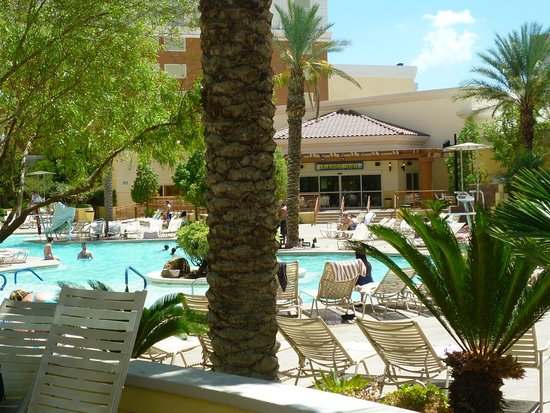 South Point Hotel: Part of the pool area