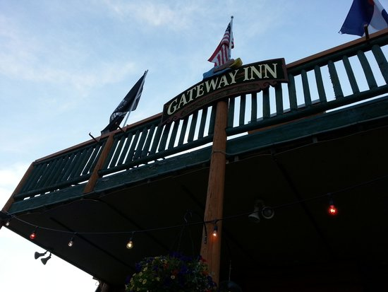 Gateway Inn: Sign