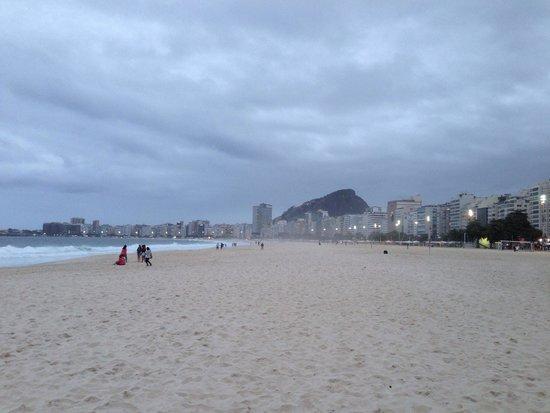Avenida Atlantica : Passeggiata rigeneratrice, camminare su questa spiaggia rigenera i sensi!