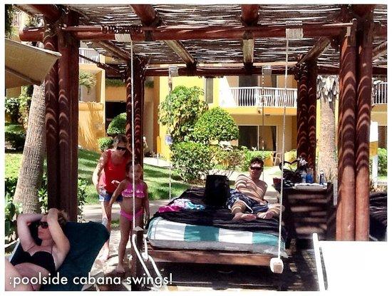 Villa del Palmar Beach Resort & Spa Los Cabos : Poolside cabana with food/drinks delivered!