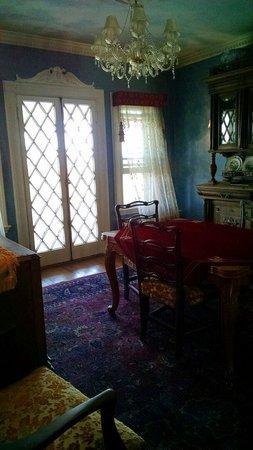 Belvedere Mansion : Second floor hall