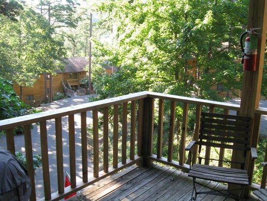 Mountain Harbor Resort & Spa: Deck