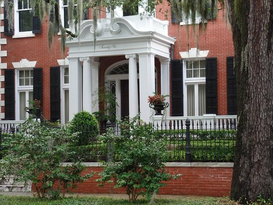 Savannah Historic District : Mercer Home