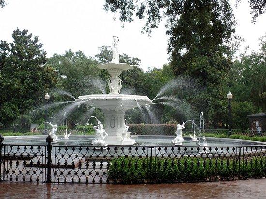 Savannah Historic District: Historic Fountain