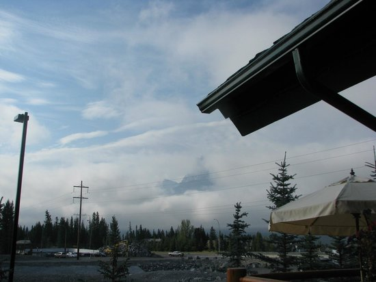 A Bear and Bison Canadian Country Inn: View to the right from balcony Room 4 (a little cloudy today)