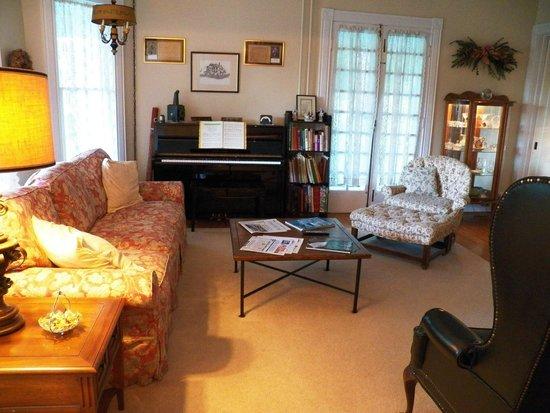 Hudson Bed And Breakfast Watkins Glen Ny