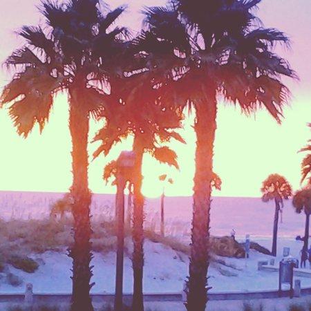 Crabby's Beachwalk Bar & Grill: sunset from crabbys