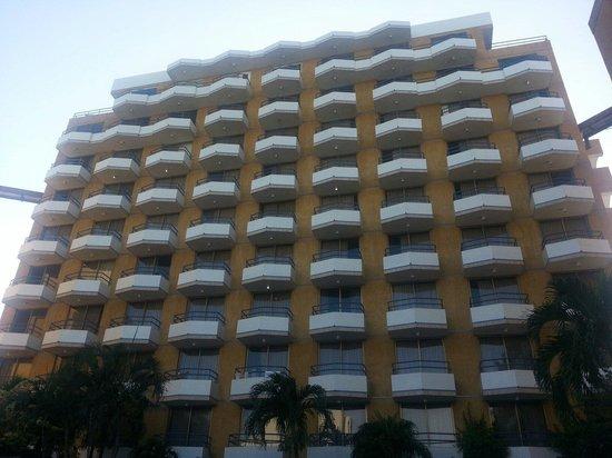 Margarita Dynasty Hotel & Suites: Torre de habitaciones