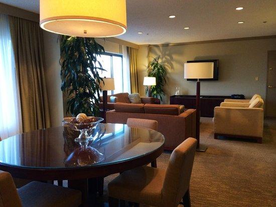 The Westin South Coast Plaza: Parkside Suite 1620/1622