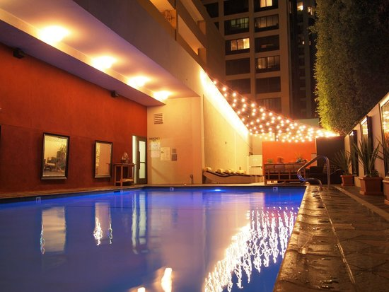 Hotel Palomar Los Angeles - Beverly Hills - a Kimpton Hotel: Nice pool....