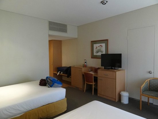 Desert Gardens Hotel, Ayers Rock Resort: Twin Room, ground floor