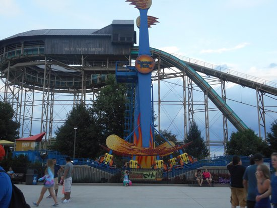 Dorney Park & Wildwater Kingdom: Full day of fun rides