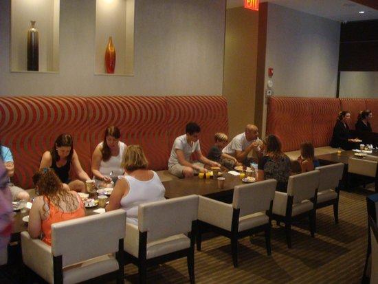 Staybridge Suites Times Square - New York City: espaço para café da manhã_sala 02
