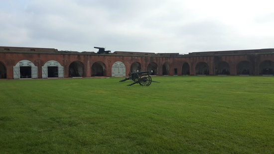Fort Pulaski National Monument: Interior courtyard