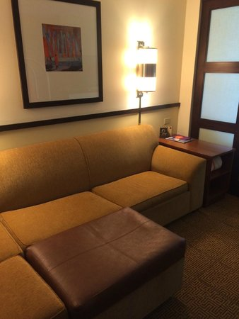 Hyatt Place Salt Lake City - Downtown: Sitting area in the room
