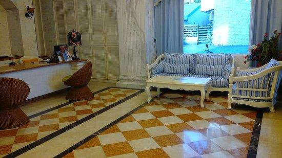 โรงแรม เบย์วิว: 飯店大廳(1)