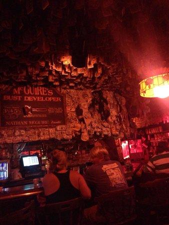 McGuire's Irish Pub: Bar area