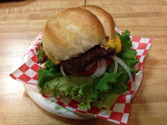 Arrowleaf Ice Cream Parlor : Buffalo burger.