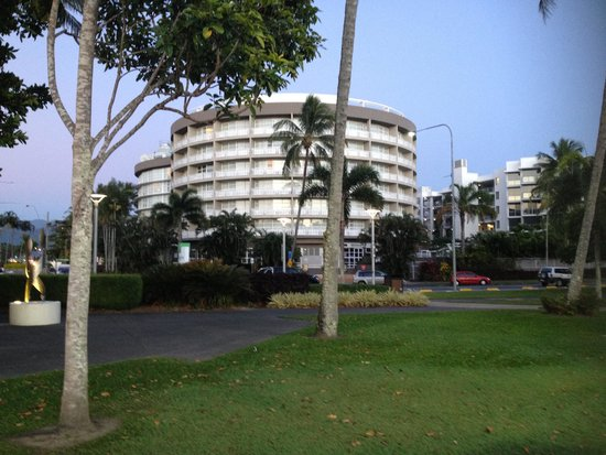 DoubleTree by Hilton Hotel Cairns : The hotel from the Boardwalk