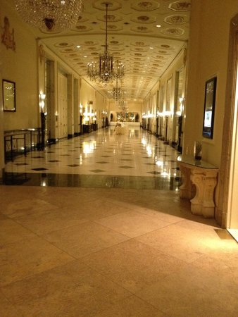 The Mayflower Hotel, Autograph Collection: Ballroom Hallway