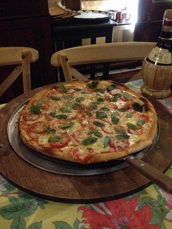 Vo Bertila Pizza & Pasta: Pizza Margherita