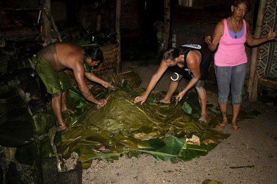 Tisa's Barefoot Bar: Opening of the umu
