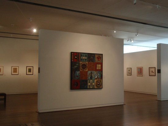 Fred Jones Jr. Museum of Art : art