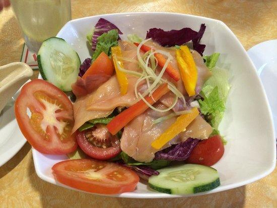 Little Italy: smoked salmon salad