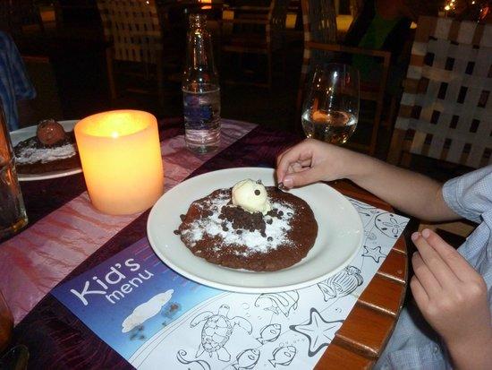 Holiday Inn Resort Baruna Bali: Kids eat for free at Palms restaurant