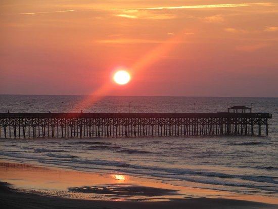 Sandy Beach Resort: Sunrise view from 4th floor balcony