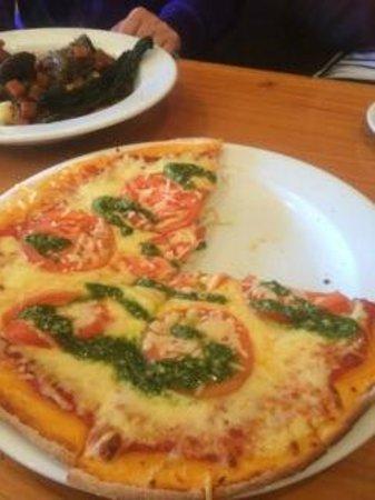 BREW / Craft Beer Pub: Pizza