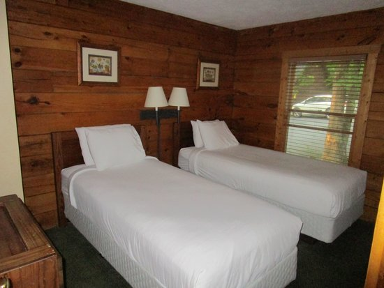 Shenandoah Crossing : Cabin 2nd bedroom
