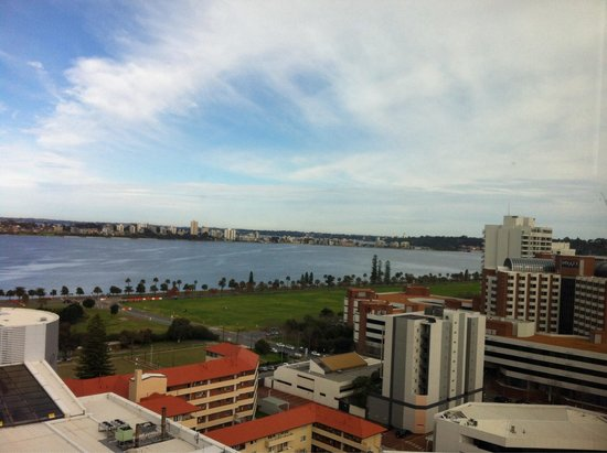 Fraser Suites Perth: River view from executive 1 bedroom