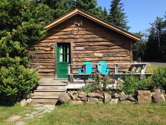 Mt. Van Hoevenberg Bed & Breakfast: Algonquin Cabin (Sleeps 4)