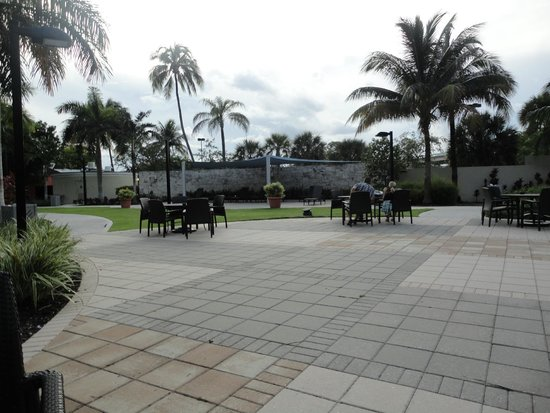 Residence Inn Miami Airport: area near pool