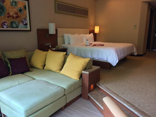 Shangri-La's Rasa Ria Resort & Spa: room with gorgeous welcome arrangement