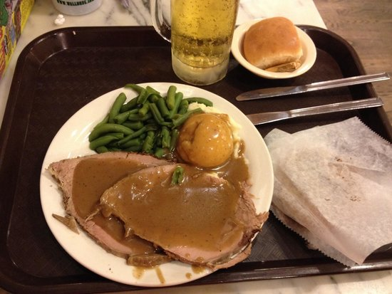 Wall Drug Store Cafe: Chewy roast beef dinner