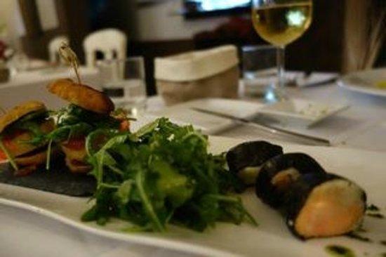 L'Estaminet: Sushi et Hamburger au foie gras