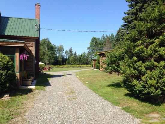 Mt. Van Hoevenberg Bed & Breakfast: Entrance to the property