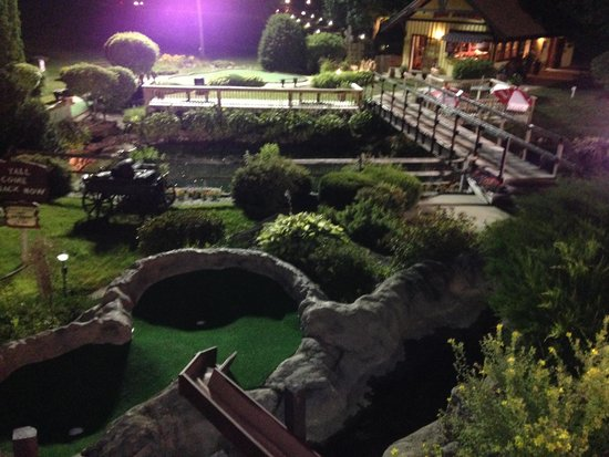 Hobo Hills Adventure Golf