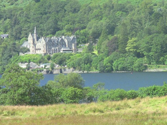 Discover Scotland Tours: On the Loch
