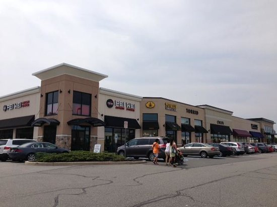Paramus, NJ: More outdoor shops