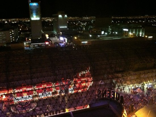 Four Queens Hotel and Casino: Room with a view!