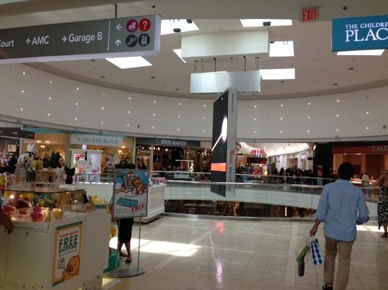 Food Court Picture Of Westfield Garden State Plaza Paramus Tripadvisor