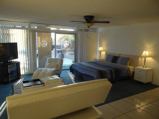 International Hotel & Suites: Room 47 (1)