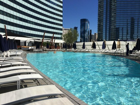 Vdara pool on 3rd floor - Picture of Vdara Hotel & Spa at ARIA Las Vegas - Tripadvisor
