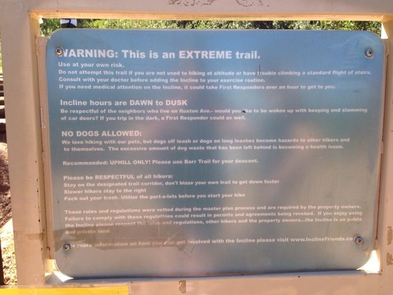 Manitou Springs Incline : Warning before the incline