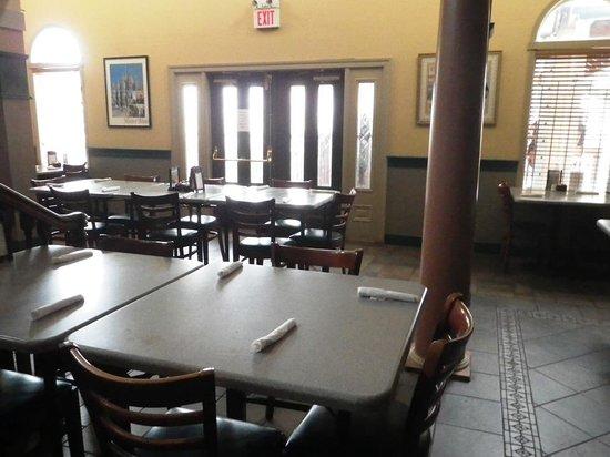 Zia Maria Italian Eatery: Dining Area